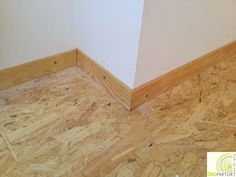 Mitred OSB floor with solid wood skirting. Osb Wood, Plywood Interior, Alternative Flooring, Floor Insulation, Cabin Homes, Floor Design, Sweet Home, New Homes, Interior Design