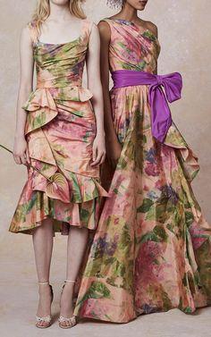 Get inspired and discover Marchesa trunkshow! Shop the latest Marchesa collection at Moda Operandi. Taffeta Dress, Silk Taffeta, Marchesa Fashion, Runway Fashion, Fashion Spring, Women's Fashion, Fashion Trends, Floral Fashion, Beach Wedding Dresses