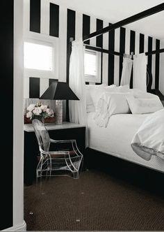 Great guest bdrm bold stripe wall paint idea