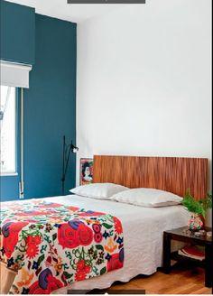parede e acessórios coloridos
