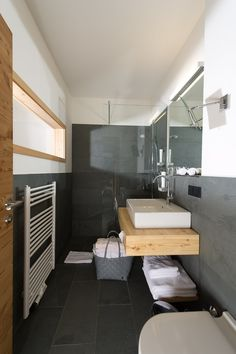 Hochwertiges Designer Badezimmer im Alpinhotel Pacheiner auf der Gerlitzen Alpe. http://www.pacheiner.at