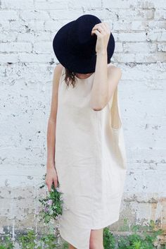 loose, effortless casual   love the hat