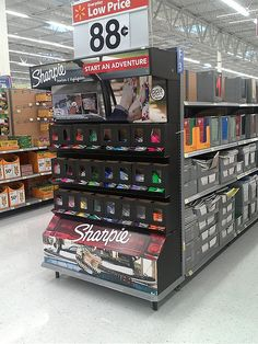 Sharpie Endcap by kendalkinggroup, via Flickr Signage Display, Pop Display, Display Design, Display Shelves, Store Design, Pos Design, Retail Design, Cool Retail, Store Displays