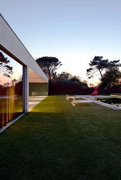 Maison au Portugal, décorateurs Jacques Bec et Artur Miranda ©Olivier Amsellem (AD n°118 juillet-août 2013)