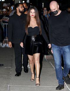 Selena Gomez Photos, Selena Gomez Style, Marie Gomez, Leather Skirt, Celebrities, Sexy, Skirts, Pop, Disney
