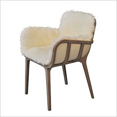 Kago chair in beech and sheepskin Jean-Marc Gady to Perrouin Side Chairs, Dining Chairs, Chalet Style, Chalet Design, Ski Chalet, Love Chair, Sofas, Armchairs, Upholstery