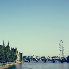 London- Cloudless Sky over the Thames