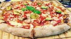 Pizza con bordes rellenos