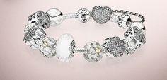 Pandora Ciondoli per Bracciali: tutti i Prezzi per un Gioiello perfetto Pandora ciondoli per bracciali prezzi moda
