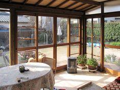 10年前に完成した福岡市城南区七隈のY邸の、サンルームが完成しました。 一階ベラ...