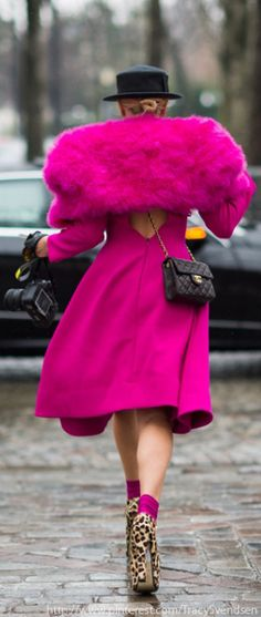 Then I thought well, maybe it is a coat dress. It is a coat dress. In Extreme-Pink! Magenta, Pink Purple, Color Rosa, Pink Color, Pink Love, Pretty In Pink, Tout Rose, Mini Robes, Fru Fru