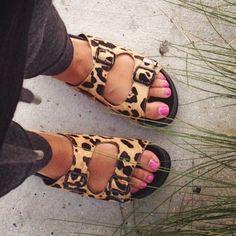 Steve Madden Shoes - Steve Madden Leopard slides
