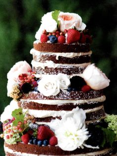 "Un-iced #weddingcakes are becoming an increasingly more common trend for countryside, rustic or natural-themed weddings. Instead of decorating with icing or fondant, these cakes are accented by flowers, fruits, shrubbery, and light sprinklings of powdered sugar. This is an excellent, yet creative, way to be chic and still result with an ""un-fussy"" cake."
