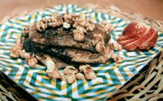 Panqueca doce (estilo americano), com aveia e banana e nada de leite e ovos. Receita da Bela Gil.