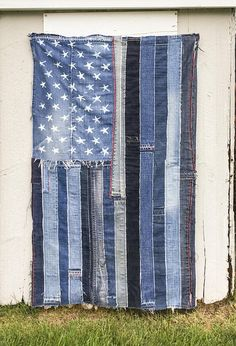 This Large Denim American Flag by artbya Upcycled Denim Jeans patchwork patched patches US Flag USA denimhead unique handcrafted in Montauk NY is just one of the custom, handmade pieces you'll find in our wall décor shops. Patchwork Baby, Crazy Patchwork, Patchwork Jeans, Patchwork Fabric, Patchwork Patterns, Denim Quilts, Blue Jean Quilts, Denim Rug, Denim Fabric