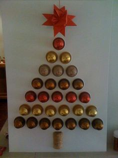 Idea for gift giving Nespresso pods. Cut holes then push pods through rather than stick on the card? Christmas Makes, Noel Christmas, Christmas Crafts, Christmas Decorations, Holiday Decor, Alternative Christmas Tree, Theme Noel, Xmas Tree, Gifts