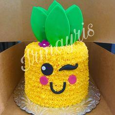 Pineapple Cake made by Irmayris (pineapple art sweets) Cakes To Make, How To Make Cake, Pretty Cakes, Cute Cakes, Luau Birthday, Birthday Cake, Flamingo Cake, Beach Cakes, Fruit Party