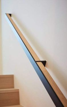 Building Stairs Design Floor Plans New Ideas Modern Stair Railing, Staircase Handrail, Iron Stair Railing, Modern Stairs, Staircase Design, Banister Rails, Wood Handrail, Staircases, Glass Stairs