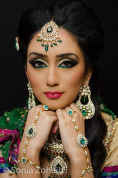 Gorgeous colorful bridal makeup