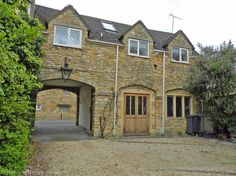 2 bedroom apartment in Chipping Campden to rent from £295 pw. With TV and DVD.