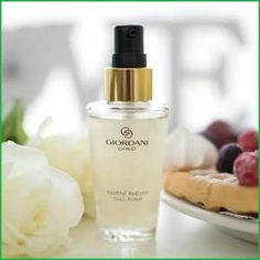 Giordani Gold Elixir Primer Oriflame Beauty Products, Oriflame Cosmetics, Makeup Kit, Beauty Makeup, Hair Beauty, Giordani Gold Oriflame, Oriflame Business, Mallow Flower, Givenchy Beauty