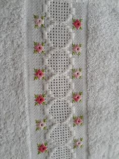 Hand Embroidery Flowers, Hand Embroidery Designs, Ribbon Embroidery, Embroidery Patterns, Stitch Patterns, Cross Stitch Borders, Cross Stitch Kits, Hardanger Embroidery, Embroidery Stitches