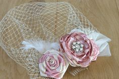 bridal hair fascinator pink dusty pink ivory champagne sarin rose hair clip headpiece vintage style hair piece wedding hait style rhinestones pearls crystals