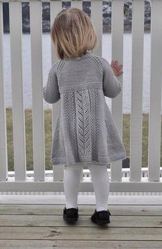 Ravelry: Soria Moria Kjole Pattern By We - Diy Crafts - Qoster Kids Knitting Patterns, Baby Sweater Patterns, Knitting For Kids, Toddler Sweater, Knit Baby Sweaters, Girls Sweaters, Toddler Dress, Knit Baby Dress, Vintage Knitting