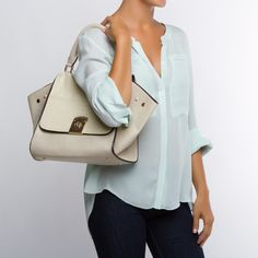 agree for a white bag for summer! // Need a white bag for summer :) I really like this one :)