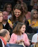 nice Katie Holmes Can't Stop Giggling With Daughter Suri at a Lakers Game Check more at https://10ztalk.com/2017/01/16/katie-holmes-cant-stop-giggling-with-daughter-suri-at-a-lakers-game/