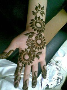 Khafif Mehndi Design, Mehndi Designs 2018, Mehndi Designs Book, Mehndi Design Pictures, Bridal Henna Designs, Mehndi Designs For Girls, Mehndi Designs For Beginners, Mehndi Designs For Fingers, Mehandi Designs