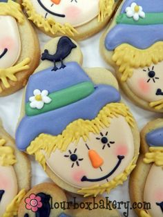 adorable scarecrow cookies!