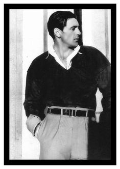 """wehadfacesthen: """"Photo of Gary Cooper by Cecil Beaton, 1931 """" Old Hollywood Stars, Hollywood Actor, Golden Age Of Hollywood, Vintage Hollywood, Hollywood Glamour, Classic Hollywood, Hollywood Style, Gary Cooper, Cary Grant"""