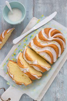 Plumcake al limone - Torta Quattro Quarti No Salt Recipes, Sweet Recipes, Just Desserts, Dessert Recipes, Buy Cake, Can I Eat, Sweet Bakery, No Bake Treats, Cupcake Cakes