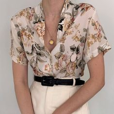 Most precious vintage floral print pure silk buttoned blouse. The colors in this beauty are just so lovely! Online now. Mode Outfits, Retro Outfits, Vintage Outfits, Casual Outfits, Vintage Fashion, Fashion Outfits, Men Casual, Look Fashion, Korean Fashion