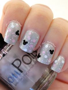 Disney manicure The post Disney manicure appeared first on nageldesign. Disney Halloween Nails, Halloween Nail Designs, Disney Manicure, Manicure And Pedicure, Pedicure Ideas, Pedicure Designs, Disney Nails Art, Simple Disney Nails, Disney Inspired Nails