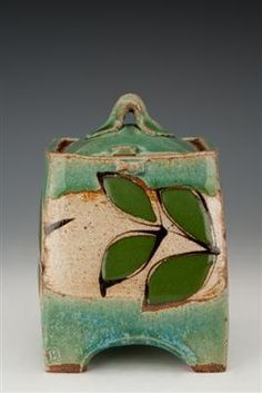 mckenzie smith ceramics - click the image or link for more info. Hand Built Pottery, Slab Pottery, Ceramic Pottery, Pottery Art, Ceramic Boxes, Ceramic Jars, Ceramic Clay, Kintsugi, Clay Box
