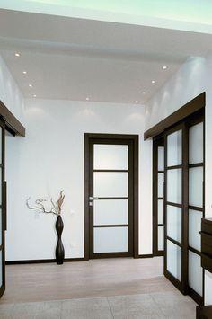 Пол беленый дуб, двери и плинтус венге