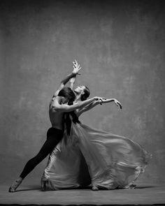 <<Olga Smirnova and Artem Ovcharenko (Bolshoi Ballet) # Photo © NYC Dance Project (Deborah Ory and Ken Browar)>> Ballet Art, Ballet Dancers, Modern Dance, Shall We Dance, Just Dance, Dancer Photography, Figure Photography, Dance Project, Bolshoi Ballet