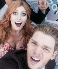 katherine mcnamara, dominic sherwood, and shadowhunters afbeelding