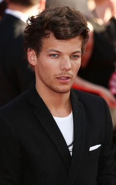 And when he looked like an actual perfect, beautiful, adorable model. | 30 Times Louis Tomlinson Was The Most Perfect Member Of One Direction In 2013