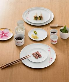 Looking for an oriental dinner service? Newformsdesign offers various choices between Sieger, Furstenberg, Tognana, Vista Alegre, The Living Milan and the best of world and Italian porcelain. Oriental, Dining Services, Kitchenware, Tableware, Bread N Butter, Fine Porcelain, Dinner, Collection, Milano