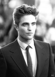 Handsome British actor Robert Pattinson