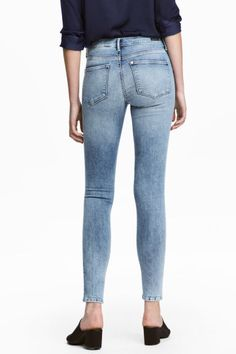 Shaping Skinny Ankle Jeans - Light denim blue - Ladies | H&M 1