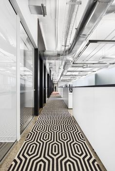 https://officesnapshots.com/2017/07/03/union-des-artistes-offices-montreal/