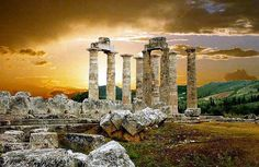 A beautiful scene unfolds as dusk gradually transitions over the Temple of Zeus (ca. 330 BC) at Nemea (Xristos Argiriadis).