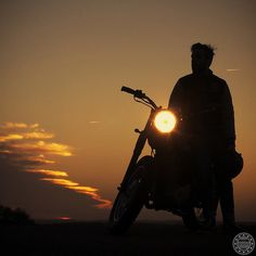 Ideas funny bike riding quotes motorcycles for 2019 Alone Photography, Bike Photography, Sunset Photography, Photography Poses For Men, Bike Quotes, Motorcycle Quotes, Motocross Quotes, Motorcycle Images, Royal Enfield Wallpapers