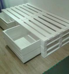 doppelbett build mit 8 europaletten ideas bastelideen pinterest doppelbett europalette. Black Bedroom Furniture Sets. Home Design Ideas