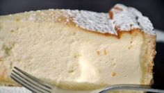 Ricette light: torta classica di ricotta Modificata: 300 gr di ricotta - 250 gr di farina - 150 g di zucchero di canna - 3 uova - 1 b di lievito vanigliato. Stampo tondo 24 cm.