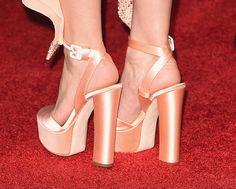 Kate Hudson in Schuhen von Giuseppe Zanotti